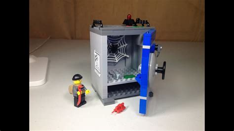 LEGO City Coin Bank set 40110 Review - YouTube