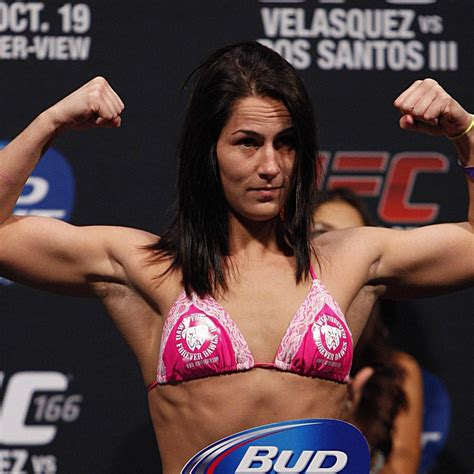 Jessica Eye Says She Is '100 Percent' Single and Horny