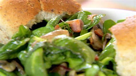 Spinach Salad with Warm Bacon and Apple Cider Dressing