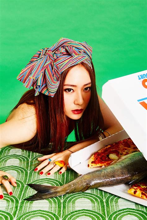 GIRLGROUP ZONE: f(x) Drops Teasers for 4th Album '4 Walls'