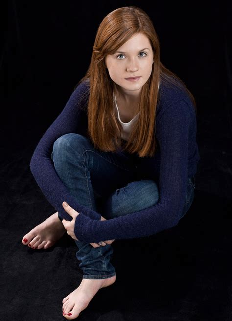 Bonnie Wright Hot & Spicy Photoshoot In Short Clothes